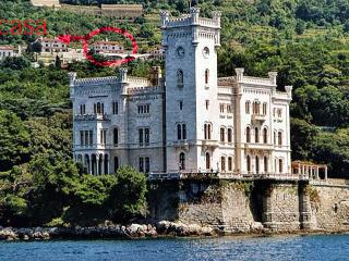 Splendida casa, Trieste