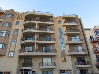 Qawra Apartment 100m to Seafront, Terrace, Seaview