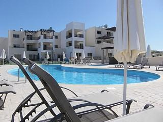 Luxury 2 bed apartment with huge veranda and over 300 UK TV Channels – semesterbostad i Paralimni