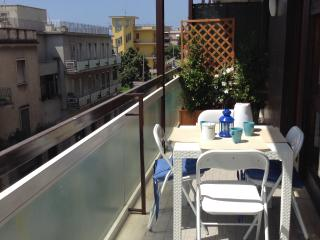 Ciceronella, flat near  the sea in the city center, Formia