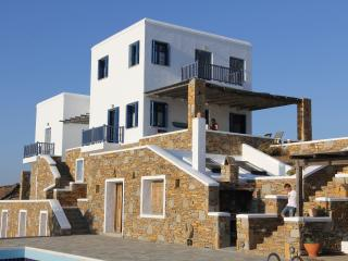 villas in Kythnos Greece, Ammouliani