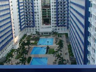 Holiday in*Sea*Residences @ MOA*WITH* BALCONY*View, Pasay