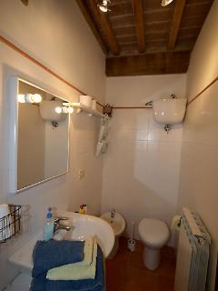mimosa apartment toilet