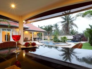 The Chase 4 Bed Villa & Pool