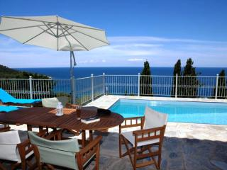 Villa Perivoliou,walk distance to the beaches