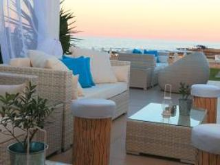 Relax in style at the Beach Bar
