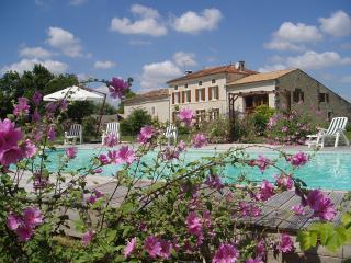 Les Tilleuls - La Grange, Pons