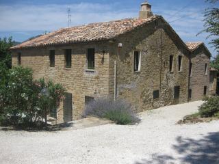 Villa Sasso, Serra San Quirico