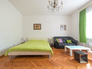 'Bright and Cozy' 55m2 Central, Zagreb
