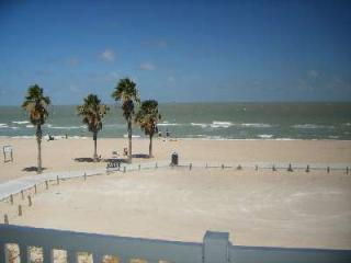 Nice Beach Condo 2126 - Sleeps 4 Adults 2 Kids, Corpus Christi