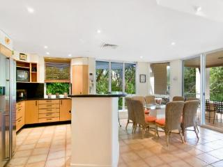 The Lakes Coolum Luxury Villa 15