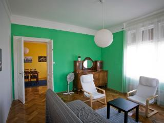 Charming Apartment in old villa overlooking city, Pula