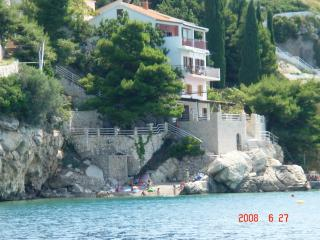 Beach villa antares near Split A4 (2+2), Pisak