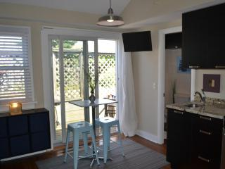 Sweet little dining area with slider to back patio