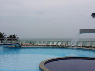 Rentascartagena luxury 2 bedroom 2 bath oceanfront, Cartagena