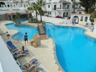 Lovely Verdemar 2 bed townhouse + aircon and Wifi, Villamartin