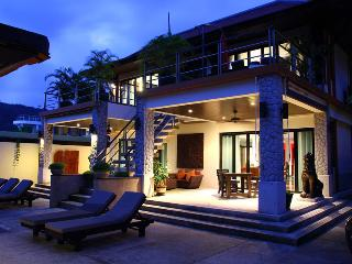 Kalimat 9 - Stunning 9 Bedroom Modern Thai Style with Seaviews, Patong