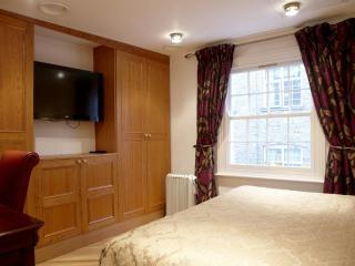 Westminster 2 Bedroom Flat, London