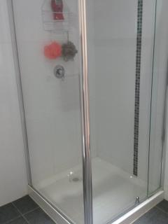 Modern Bathroom-Shower