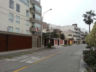 Beautiful Apt Close  Miraflores And Beach LIMA CS, Lima