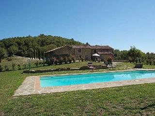 Secluded villa with private pool near Perugia