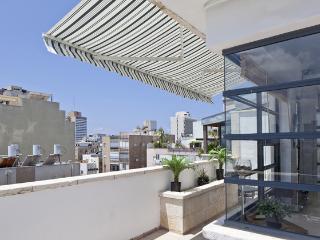 Amazing Penthouse 2BR 2min Beach, Tel Aviv