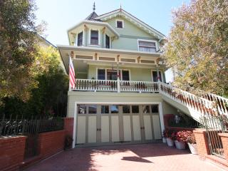 Stay in a Beautilul Victorian Home, 5 Bks to Beach, Redondo Beach