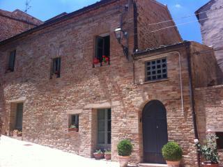 Casa Carceri Vecchie, Santa Vittoria in Matenano