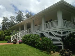 MALAMA HOUSE: A Luxury Vacation Rental on One Acre