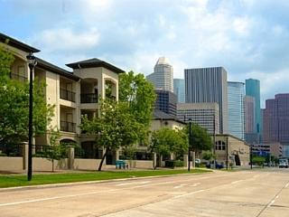 2 Bed 2 Bath Fully Furnished-Midtown-Walk Anywhere, Houston