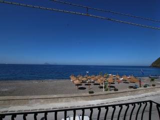 Oasi beach house in Lipari Canneto