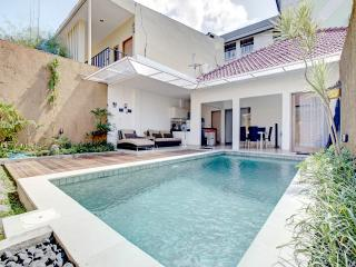 CHIC 2 BR VILLA WITH OWN PRIVATE POOL IN THE HEART OF KUTA