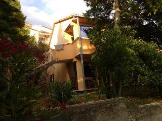 Apartment Green Oasis Steps from the Beach, Crikvenica