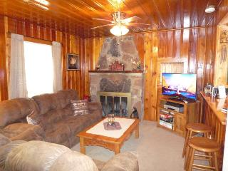 The Deer Drop Inn - 2 Bed 1 Bath Hot Tub Property, Ruidoso