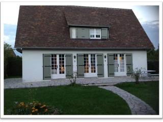 Beautiful home in Deuville France close to sea