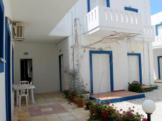 Alexis Apartments, Stavros