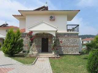 Front of villa.