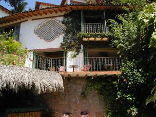 Casa de la Hoja:lovely Home: Private Pool:location