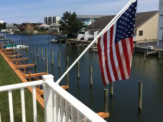 Immaculate Waterfront Town Home, Ocean City