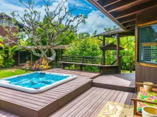 Amazing Island Beach House! Incredible Location!, Waimanalo