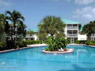 Condo on 7 Mile Beach - Great Location - Ground Fl