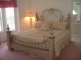 Master bedroom with en-suite (just seen)