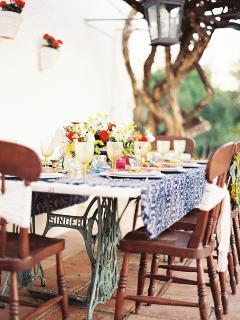 Dining under centenary bouganvilia
