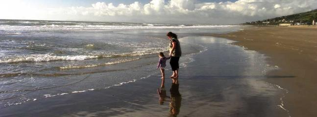 A walk on the beach at Barmouth