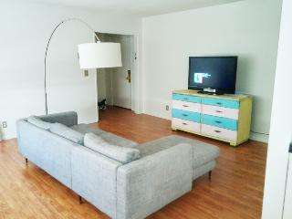 2 Bed/2 bath Apt in Sunset Strip + West Hollywood