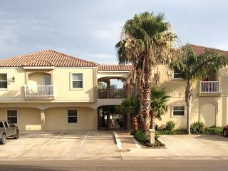 2 Bedroom Condo, Pompano, Lovely SPI, South Padre Island