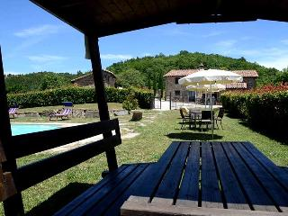 Secluded villa with private pool and fenced pool area near Perugia
