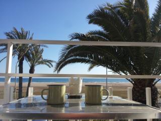 BeachFront Apt.4 + balcony + view + Barcelona