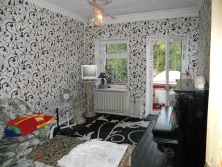 2 rooms apart. near ARCADIA district-50$ per 24h., Odessa