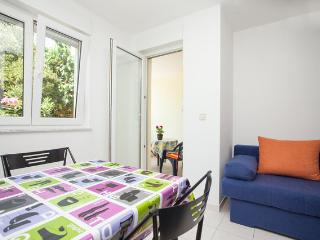 • Lungomare Beach Apartment Pula •